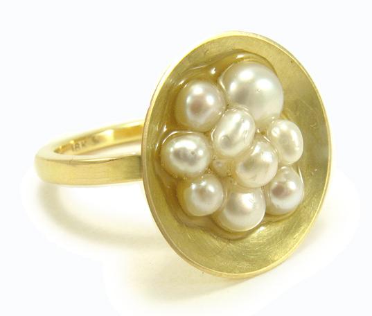 Caviar, 18k ring