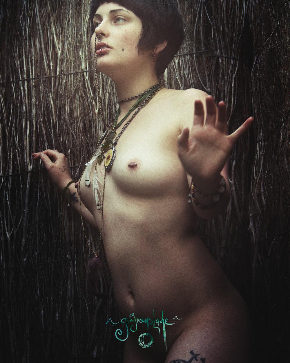Gee-Greenslade-Artist-Photographer-Adelaide-South-Australia-19-nude-boudoir-moira.jpg