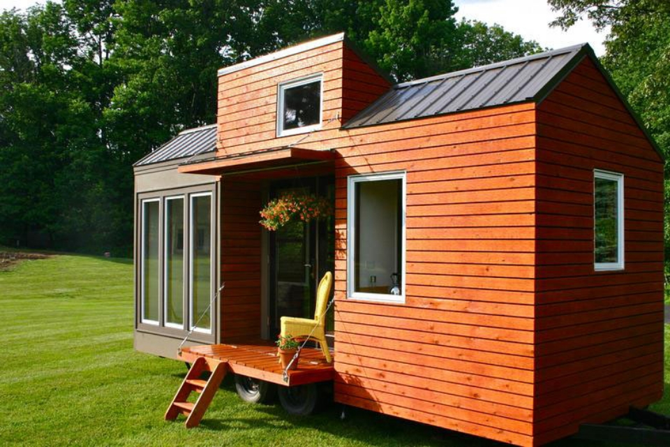 Tall-Man-Tiny-House_2.jpg
