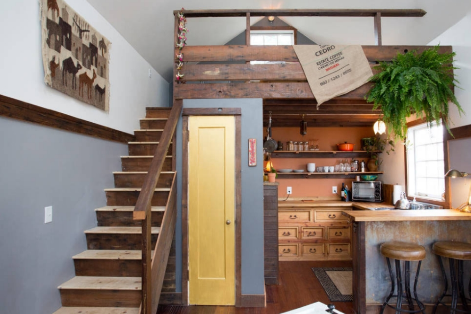 Rustic-Tiny-House-Portland_1.jpg
