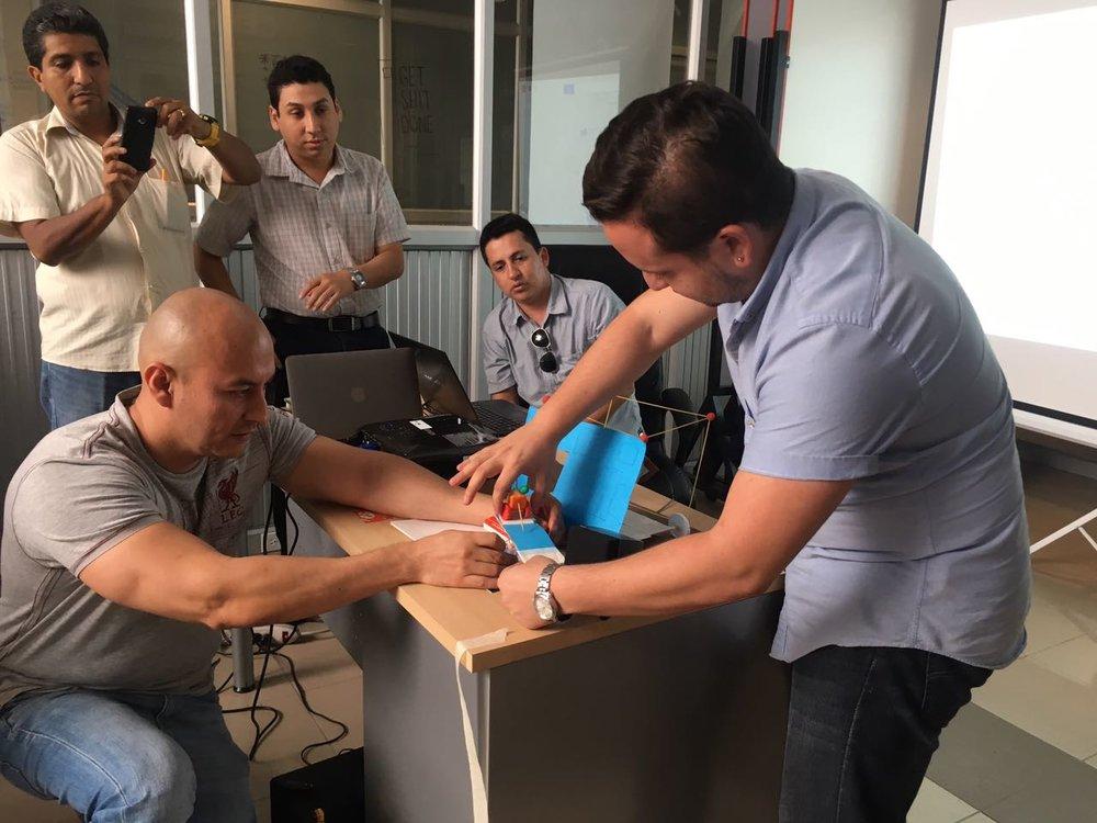 TALLER DESIGN THINKING PARA PROFESORES MATERIA INTEGRADORA -