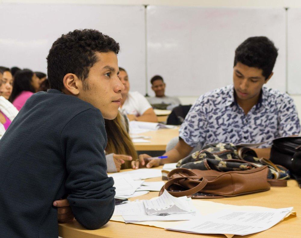 Innovación - La creatividad e innovación de las ideas y posibles soluciones a problemas o retos planteados por la industria harán que sea el eje principal del éxito en la competitividad del talento estudiantil.