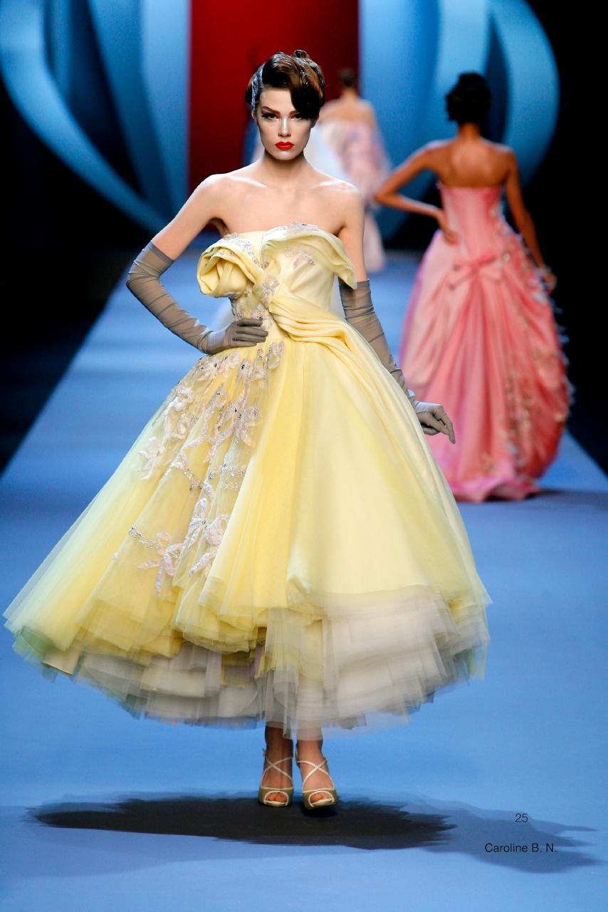 Christian Dior, Paris (fashion house) John Galliano (designer) spring−summer 2011 haute couture collection Photo © Guy Marineau
