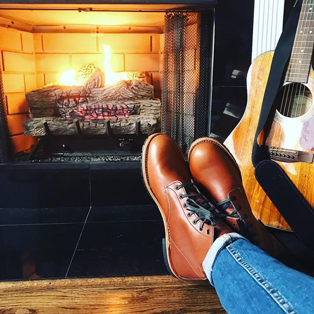 Survived a blizzard in Red Wing, Minnesota - thanks to @bigturn_musicfest for the hospitality and @redwingheritage for the boots. Time to warm up then get ready for spring shows in Lutsen and the east coast.