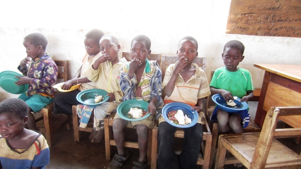 Food   Feeding programs and hunger in Malawi.