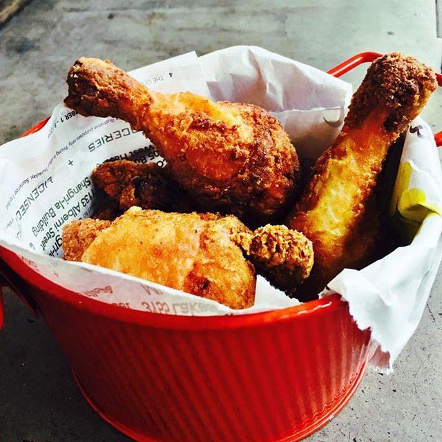 Double tap for fried chicken love and for the weekend!🍗 • #stackhouseburgerbar #burgerbar #burgerhouse #burger #gourmet  #vancitylife #vancityfood #gourmetburger #vancouver #yvr #vancouvereats #vancouverfoodie #yvrfoodie #gastropostvan #vancityeats #604eats #nomnom #foodcouver #downtownvancouver #instafoodie #vancitybuzz #vancityhype