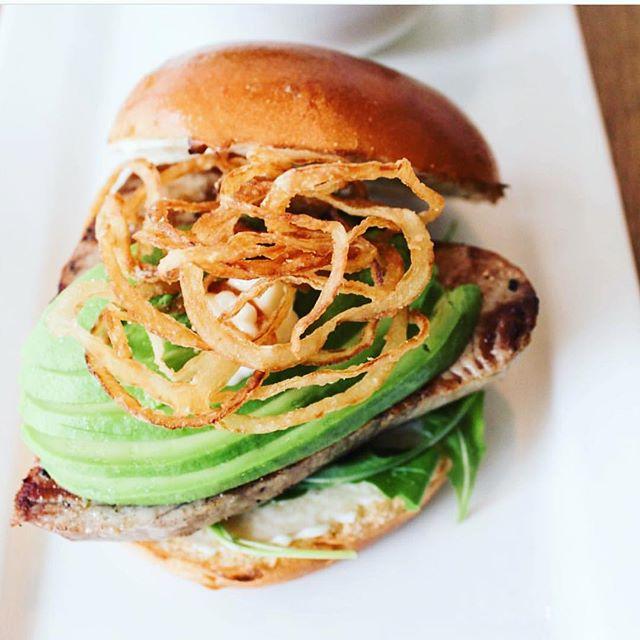 Double tap if you ❤️ a crispy fried onion crunch on your burgers🍔 • #stackhouseburgerbar #burgerbar #burgerhouse #burger #gourmet #vancitylife #vancityfood #gourmetburger #vancouver #yvr #vancouvereats #vancouverfoodie #yvrfoodie #gastropostvan #vancityeats #604eats #nomnom #foodcouver #downtownvancouver #instafoodie #vancitybuzz #vancityhype