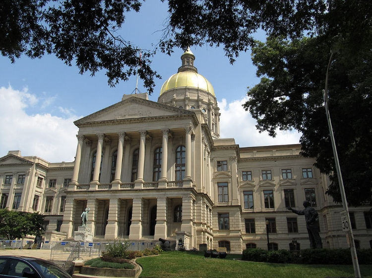 Georgia State Capitol Building which houses the Georgia General Assemby in Atlantia. Image Credit:  Ken Lund  via  Wikimedia Commons   cc