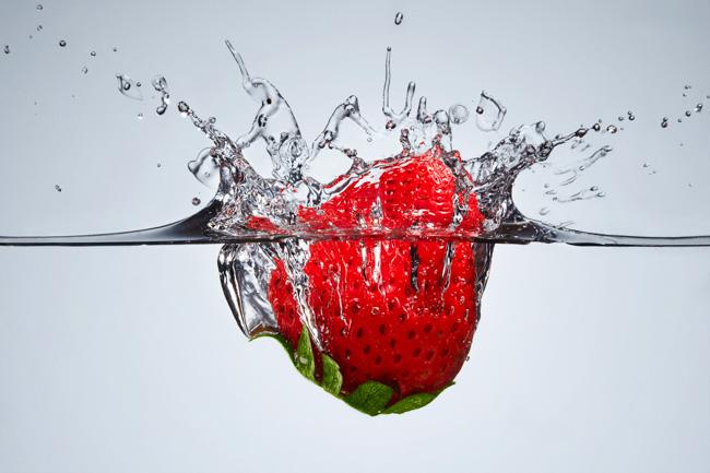 jarren vink aarp infused water aguas y frutas stawberry