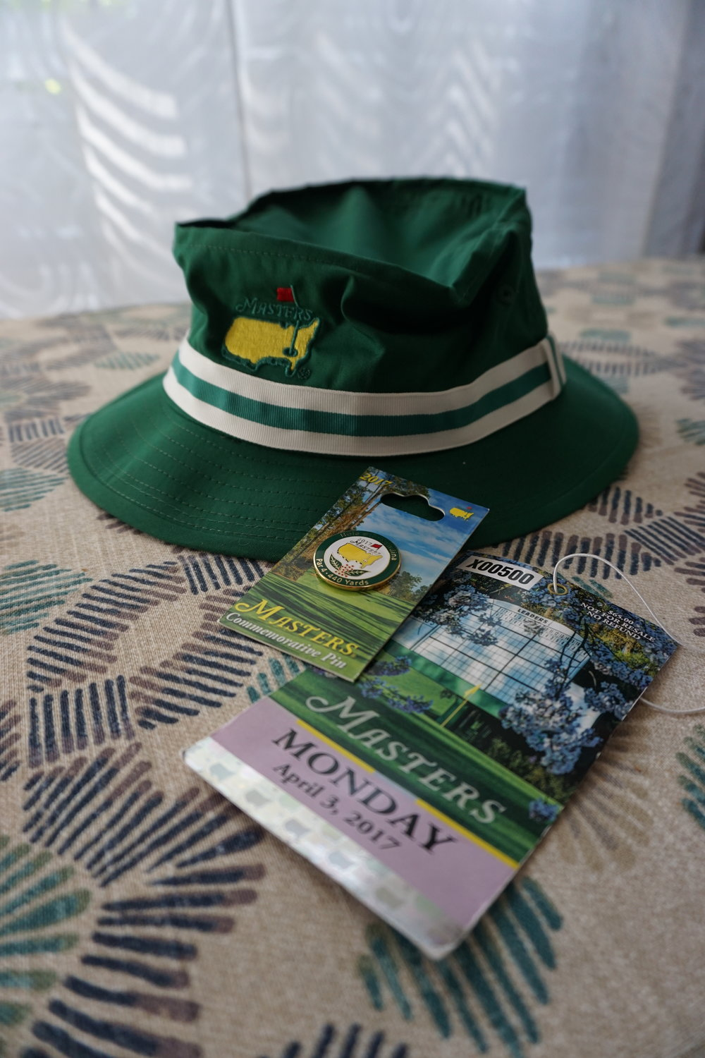 Masters 2017 bucket hat and pin
