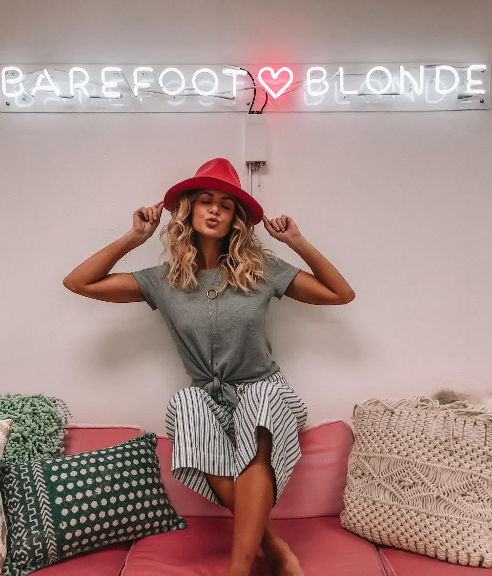barefoot_blonde_office_name_glo_1.jpg