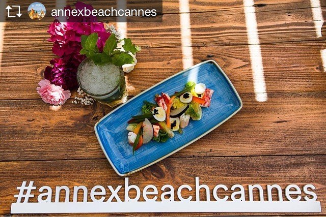 Repost from @annexbeachcannes TASTE OUR GOURMET LUNCH FROM 12.00 AM: niçoise of king crab and caviar Oscietra #lunchtime #fromnoon #cannes #cannes2017 #summer2017 #croisettecannes #beachclubandrestaurant #nuartevents