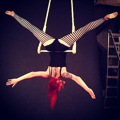 (I found this on pinterest from @yerdua on static trapeze from foter.com)