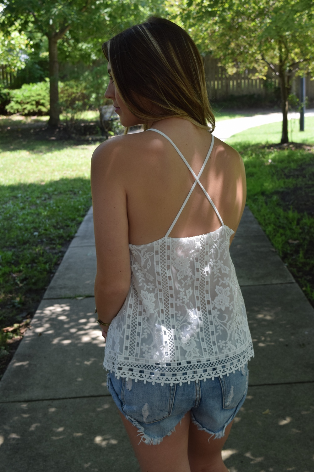 strappy back tank // pinebarrenbeauty.com