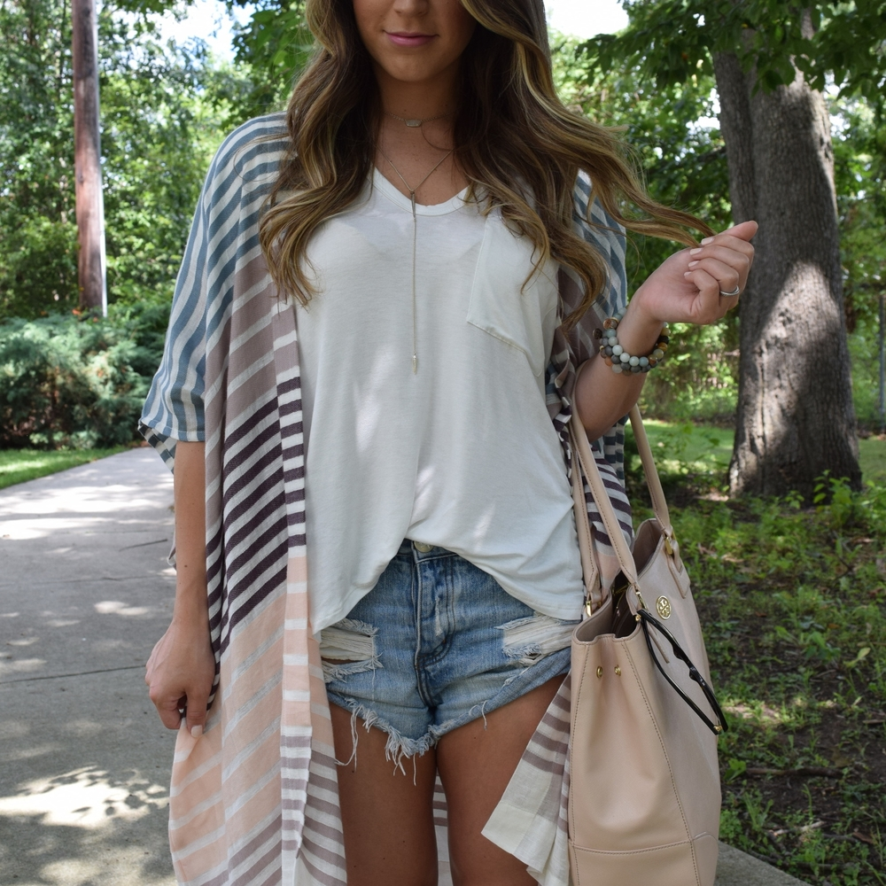 striped kimono & denim cutoffs // pinebarrenbeauty.com