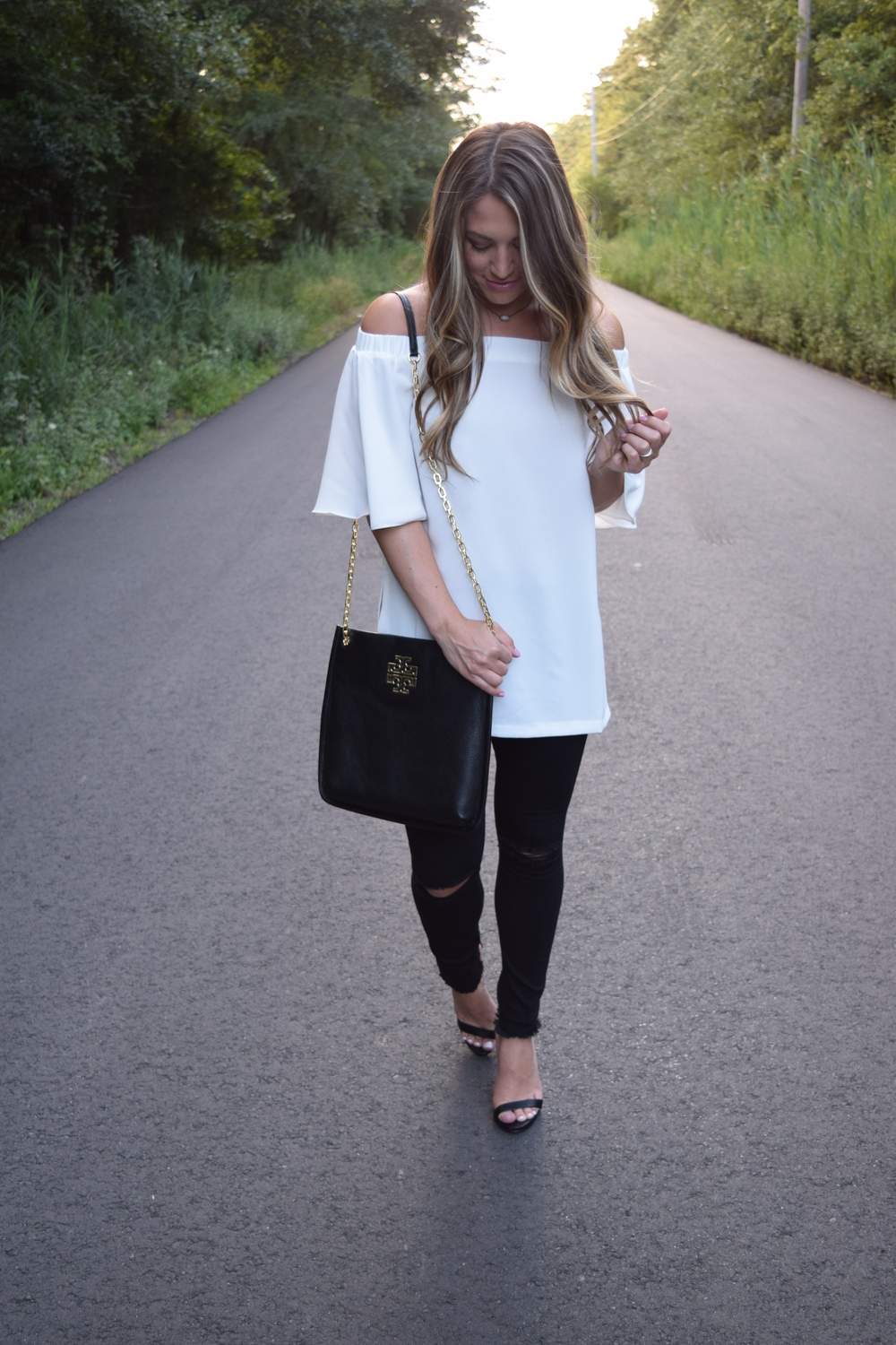white off the shoulder tunic // pinebarrenbeauty.com