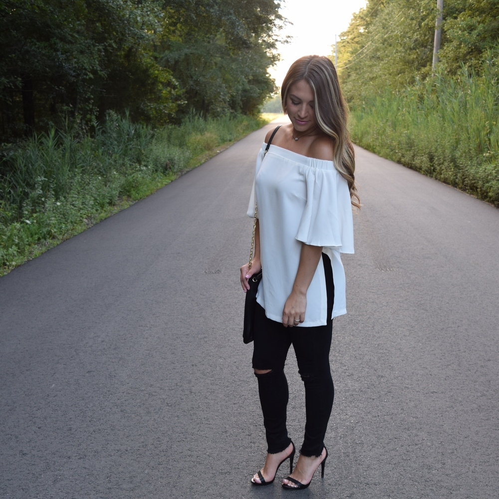 off the shoulder top // pinebarrenbeauty.com