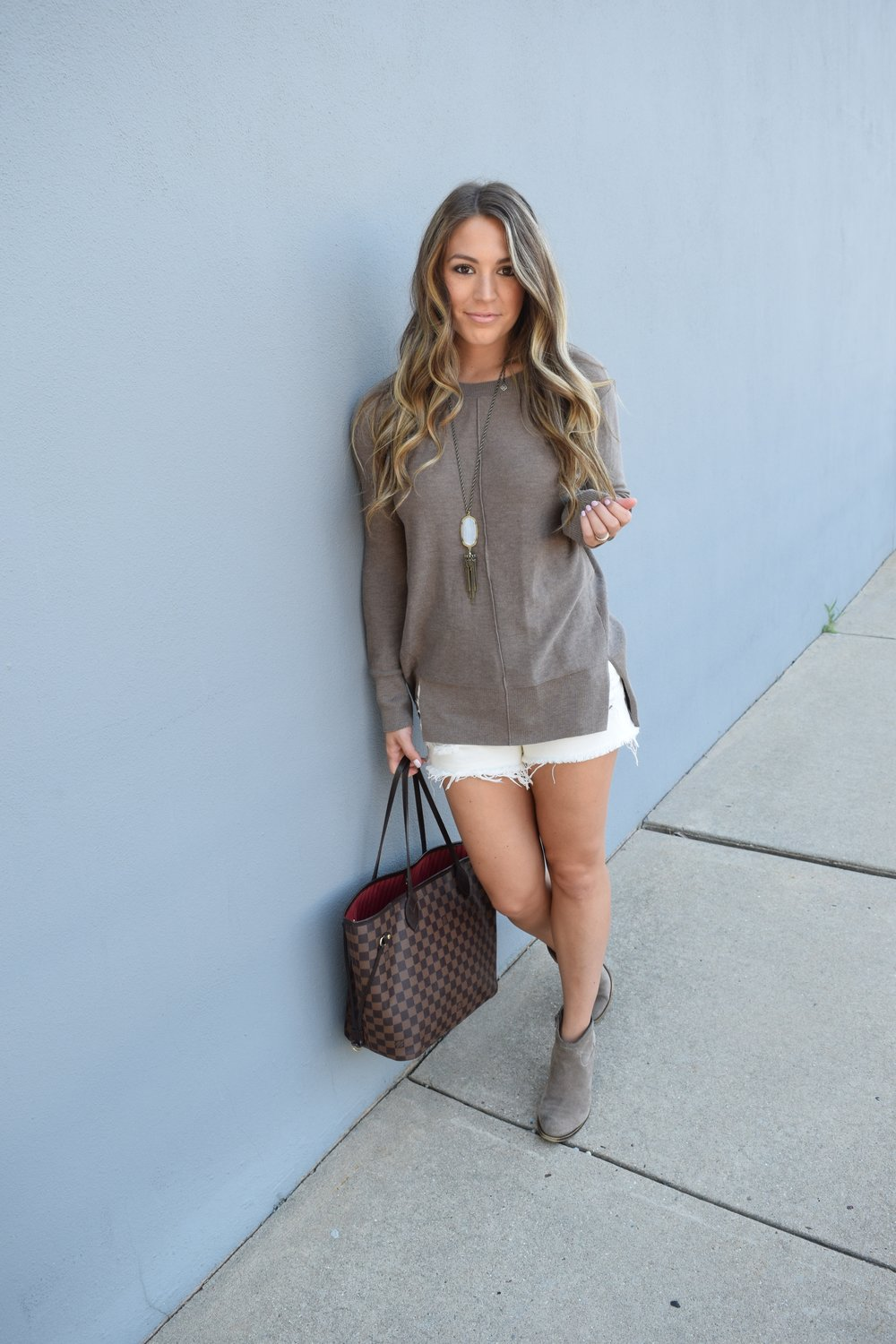 sweater & shorts // pinebarrenbeauty.com