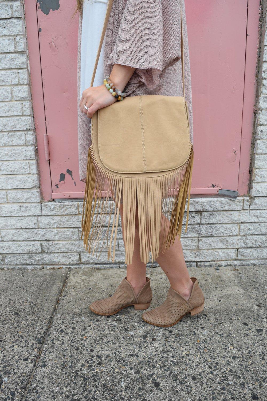 fringe bag for fall // pinebarrenbeauty.com