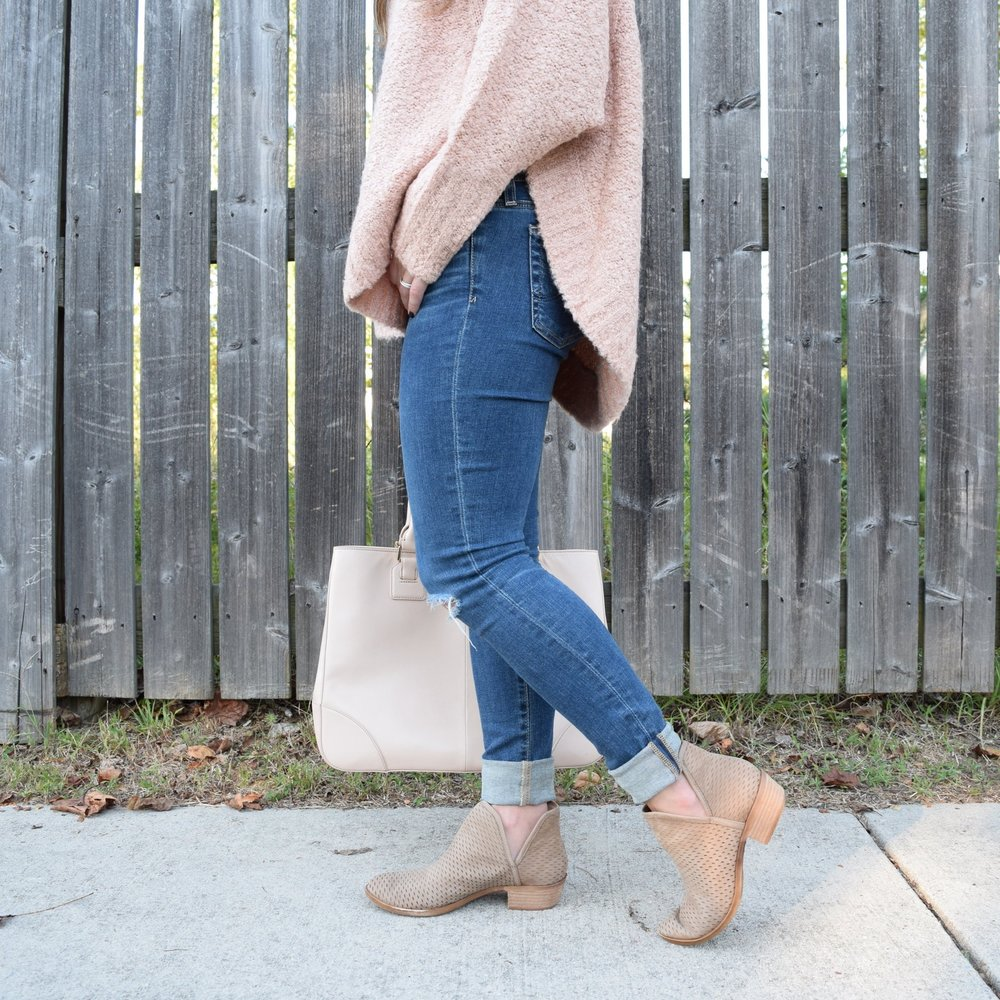 cut out booties // fall style // pinebarrenbeauty.com