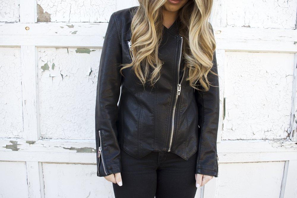 faux leather jacket // pinebarrenbeauty.com