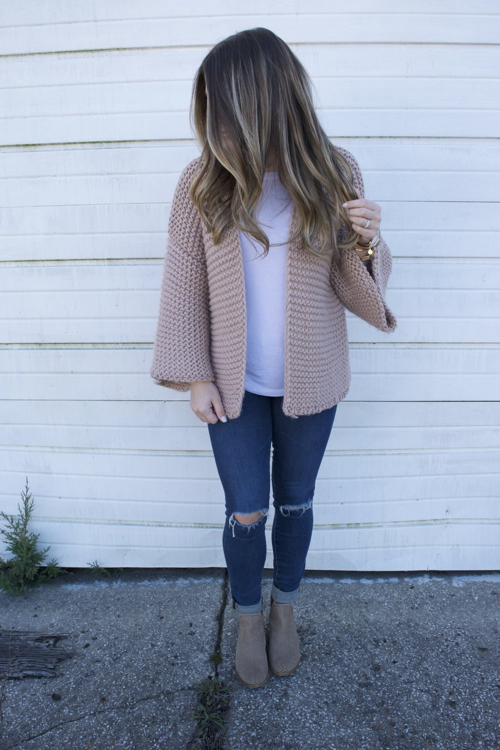chunky knit cardigan // pinebarrenbeauty.com