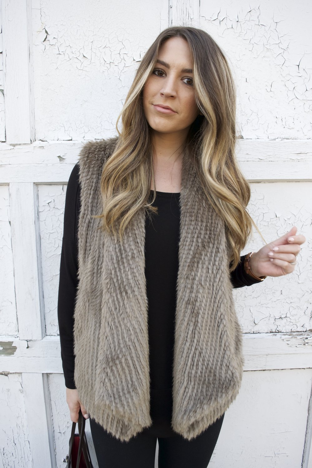 faux fur vest // pinebarrenbeauty.com