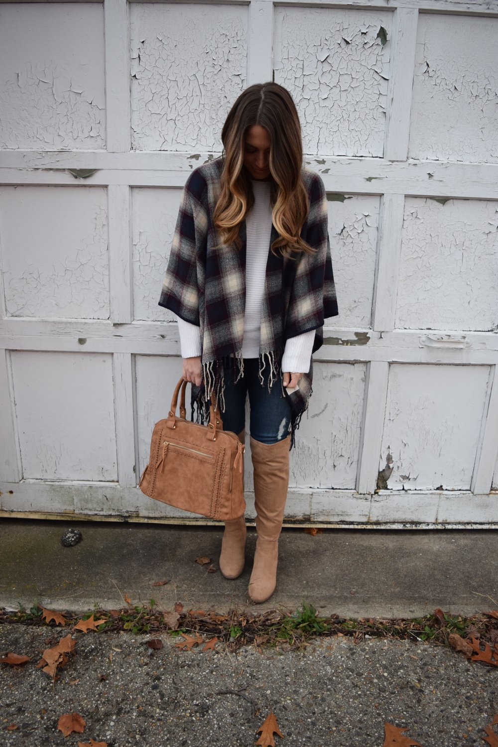 plaid poncho // pinebarrenbeauty.com