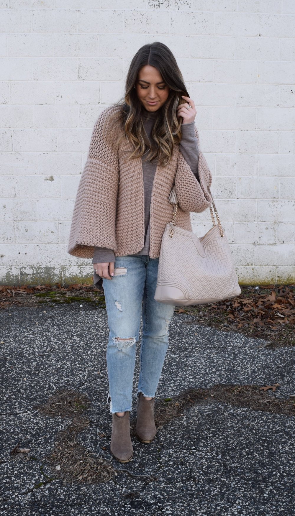 winter fashion, chunky cardigan, distressed denim