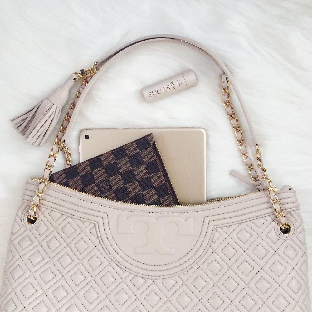 Tory Burch Fleming Shoulder Bag Review // Designer Handbag Review