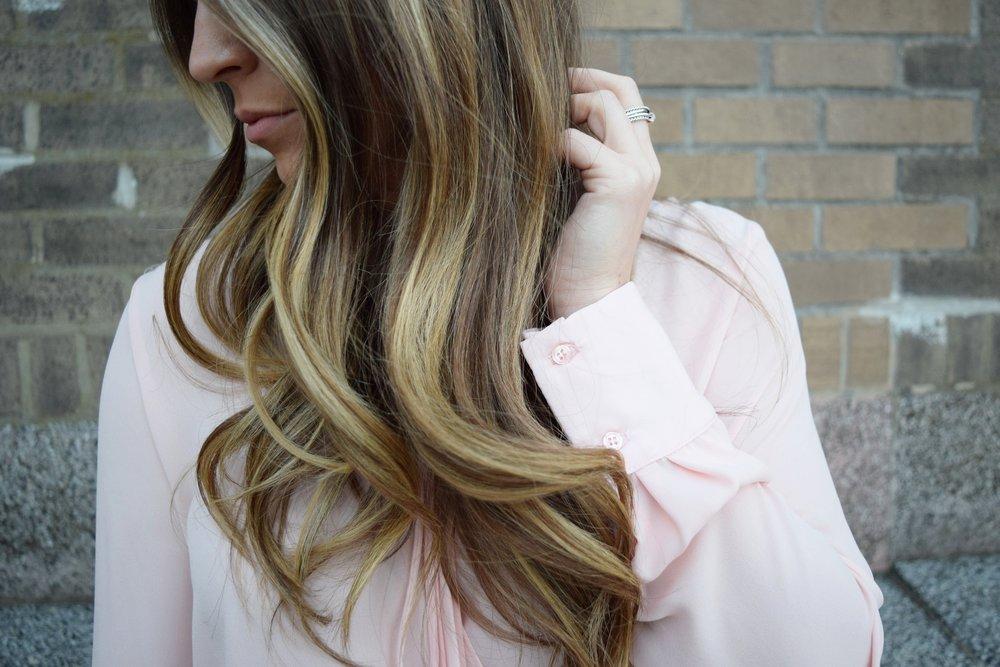 blush pink top, details, balayage