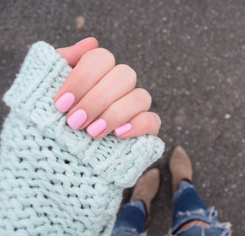 pink nails, valentine's day manicure, natural nails