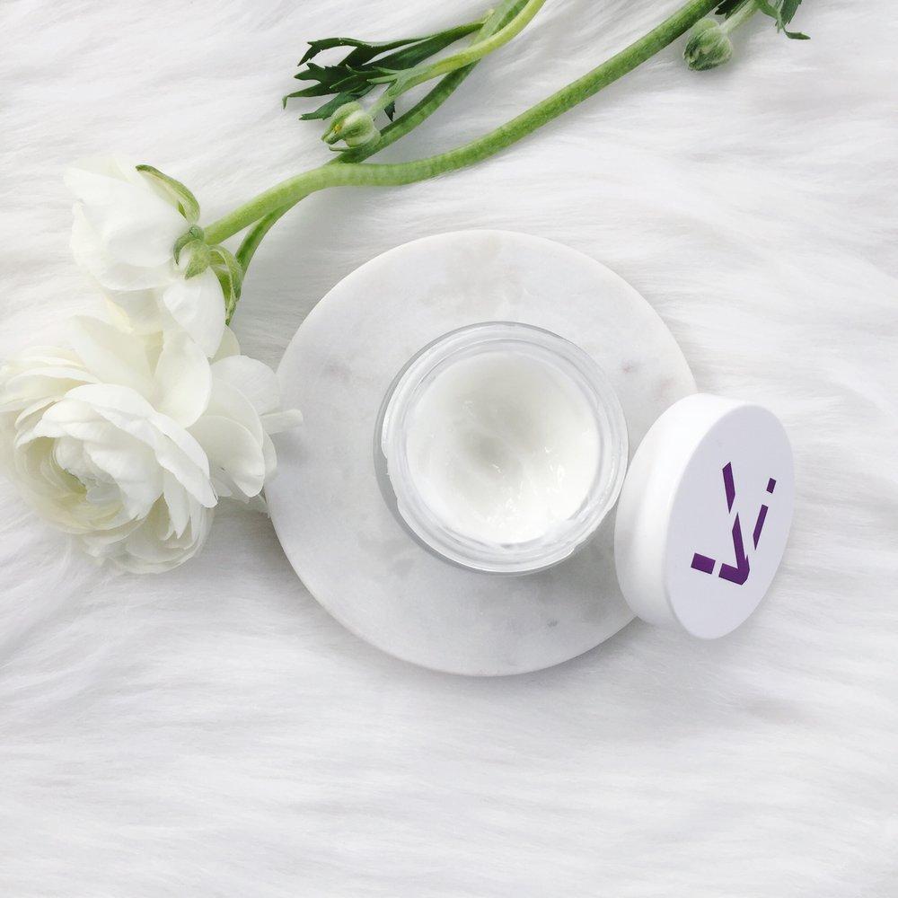 alchimie forever skincare review, kantic calming cream, moisturizer