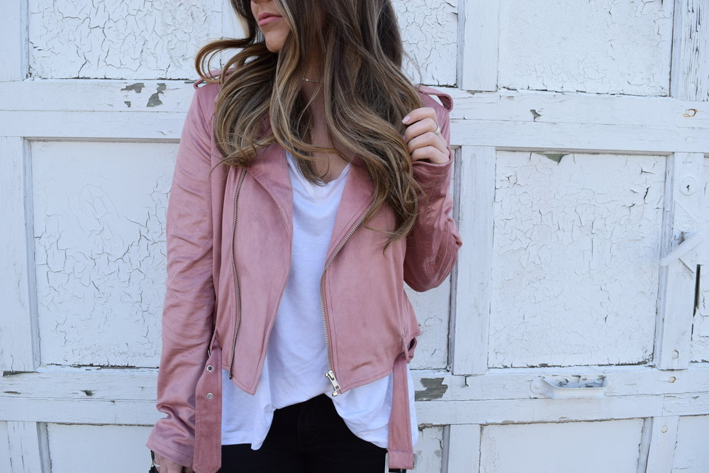 spring transition outfit idea / faux suede blush moto jacket