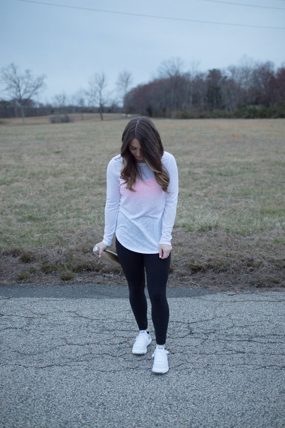 athleisure outfit / leggings + open back tee