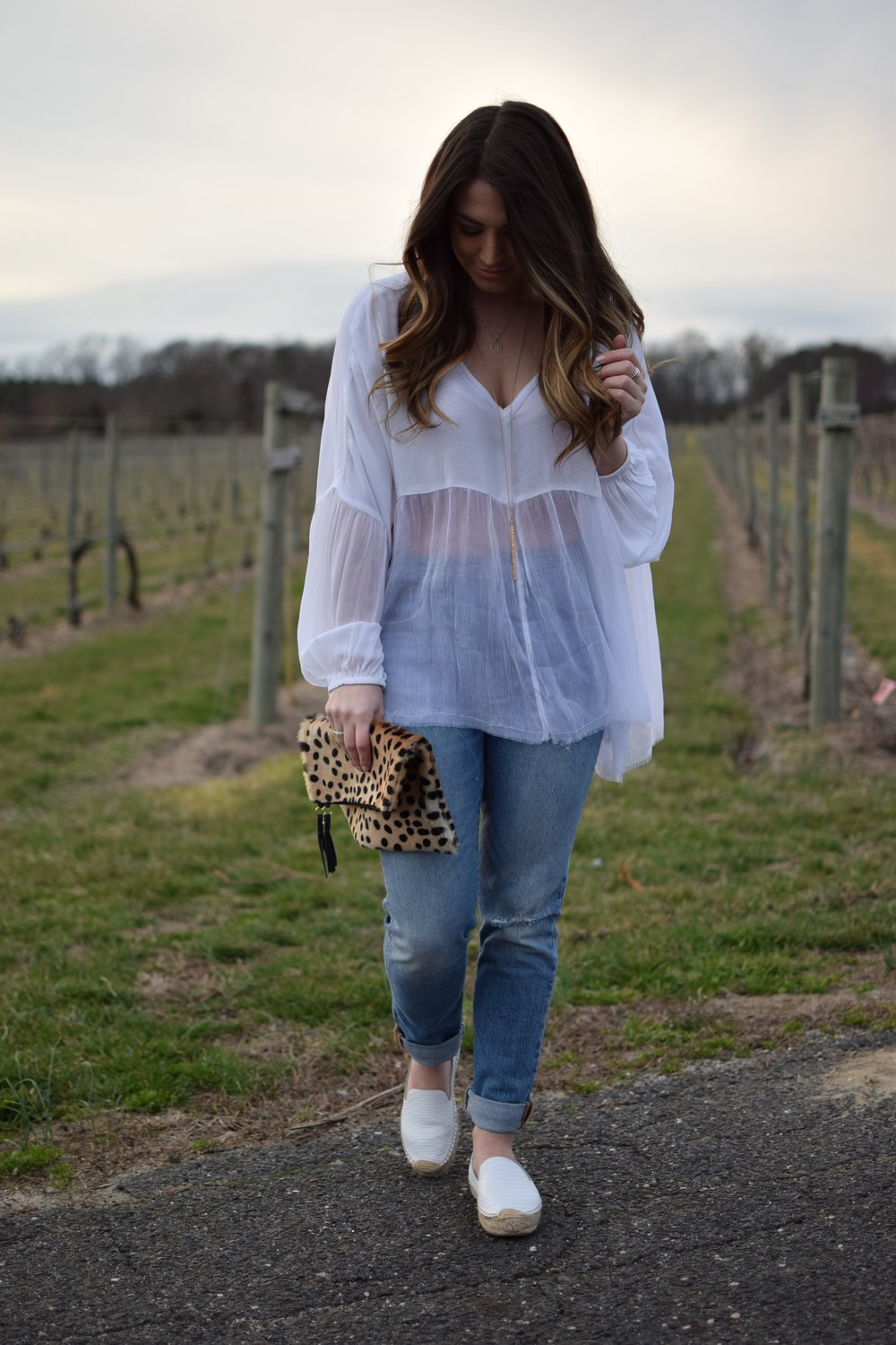 spring outfit idea / flowy white top