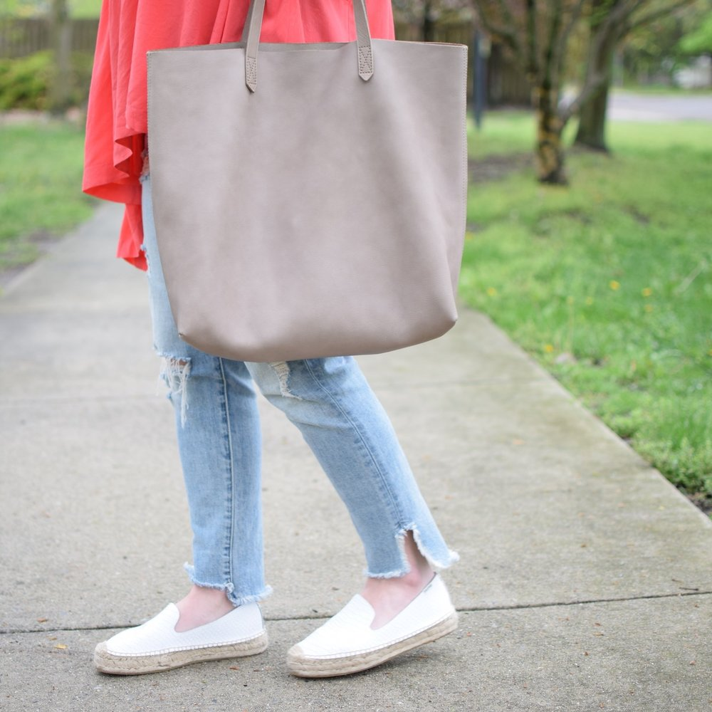 spring outfit idea / madewell tote
