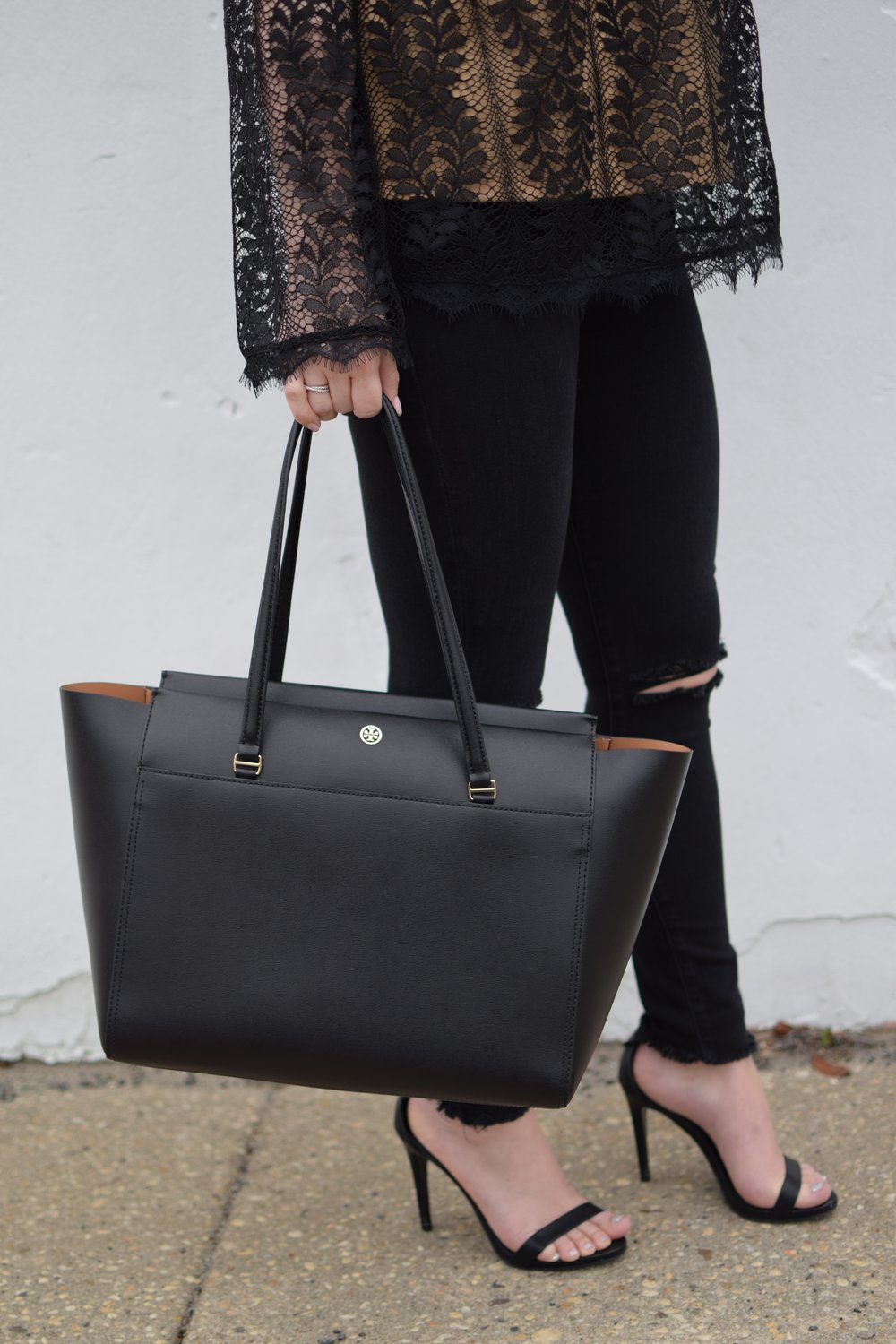 date night outfit idea / tory burch bag / black lace top