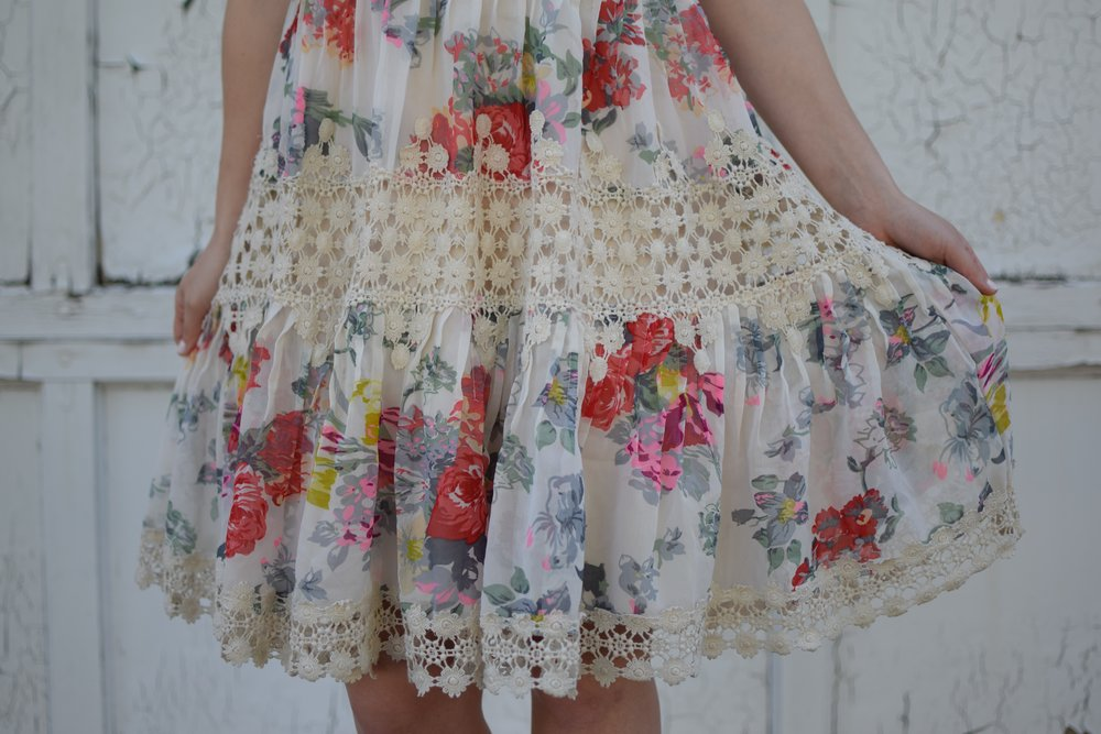 anthropology floral & lace dress / spring & summer outfit idea / guest of wedding dress