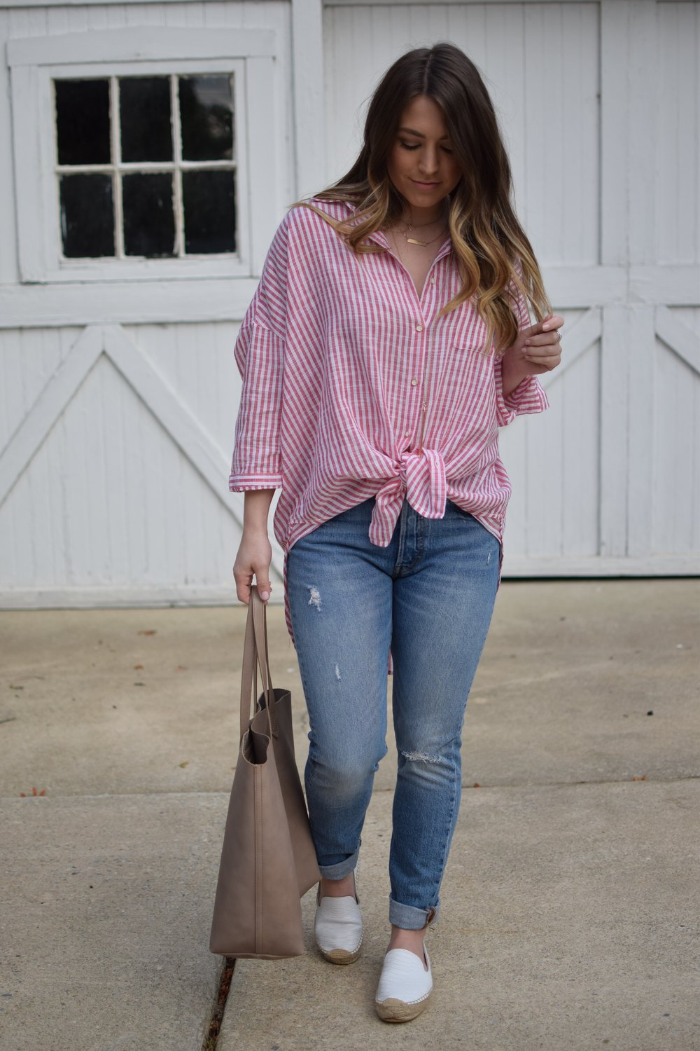 red & white striped top / high waisted denim / white espadrilles / summer outfit idea