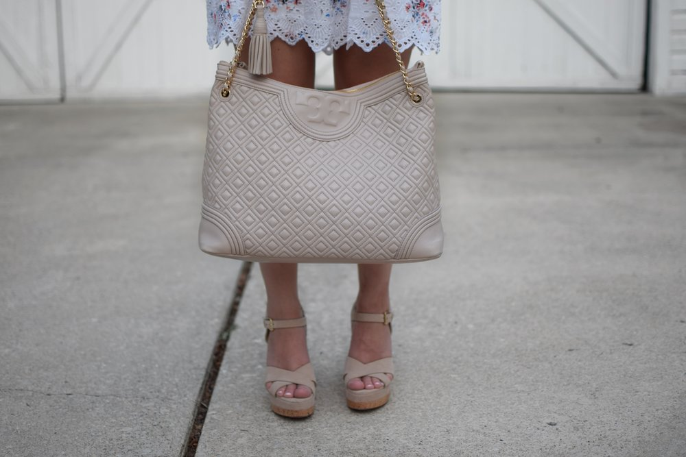 loft eyelet & floral print dress / tory burch bag / nude wedges / summer dress / summer outfit idea