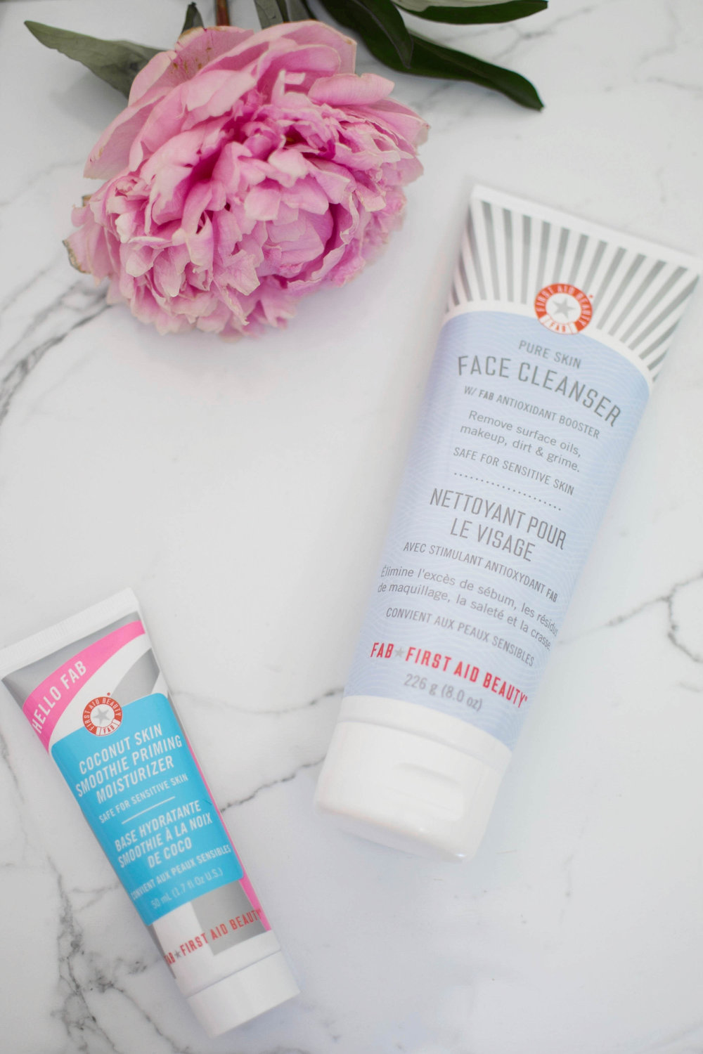 first aid beauty face cleanser & priming moisturizer / beauty talk / beauty review
