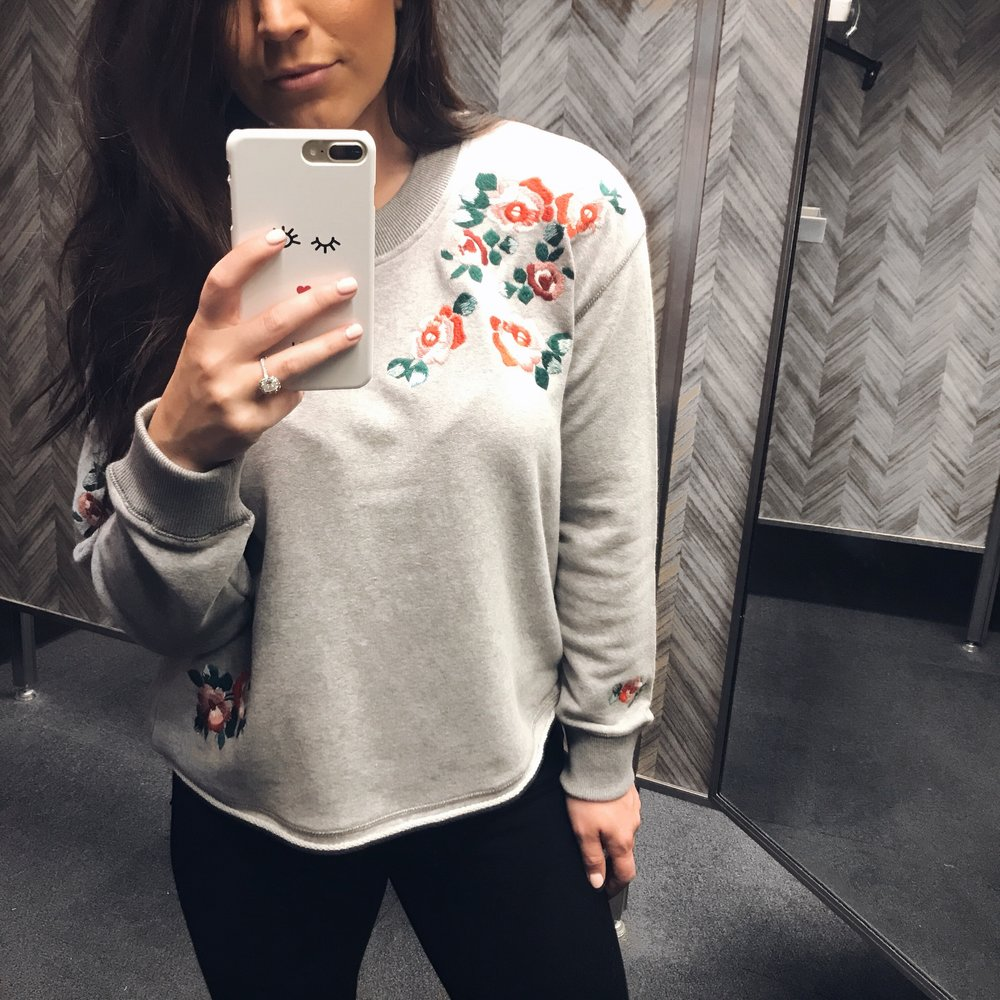 fall fashion / fall outfit idea / fall outfit inspiration / embroidered sweatshirt / madewell