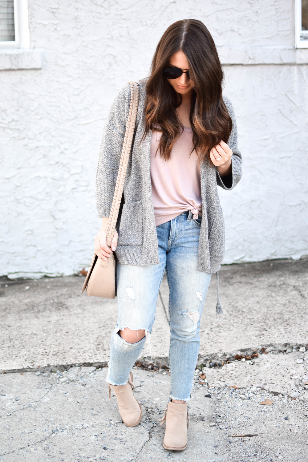 fall fashion / fall outfit idea / fall outfit inspiration / madewell grey lace up cardigan / distressed denim / hair vibes