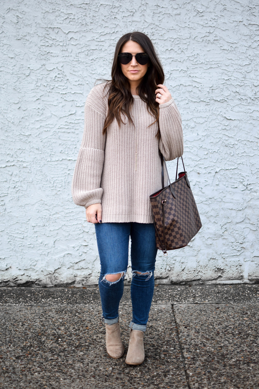 fall fashion / fall outfit idea / fall outfit inspiration / cozy sweater / chunky knit / fall feels / diff eyewear