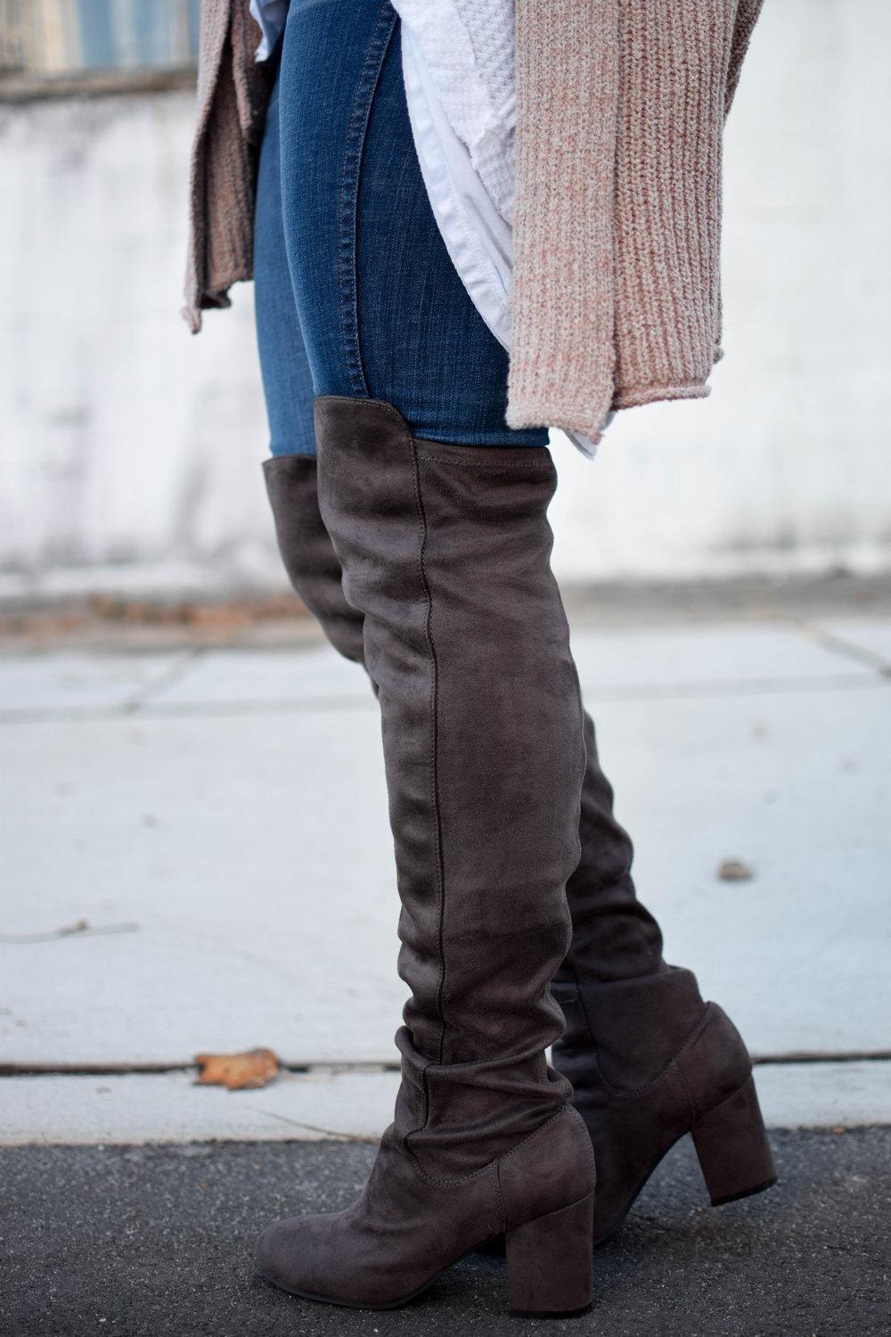 how to style over the knee boots for fall / suede over the knee boots / fall fashion / fall outfit idea / fall outfit inspiration