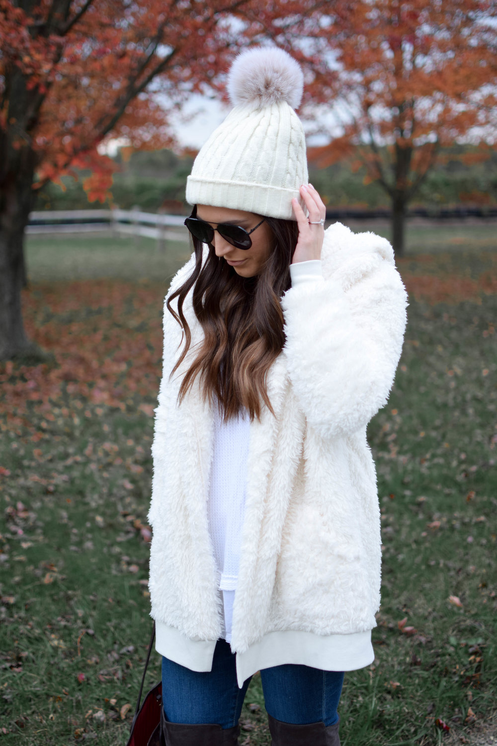 fall fashion / fall outfit idea / fall outfit inspiration / how to style a teddy bear coat / cozy coat / sweater weather / over the knee boots