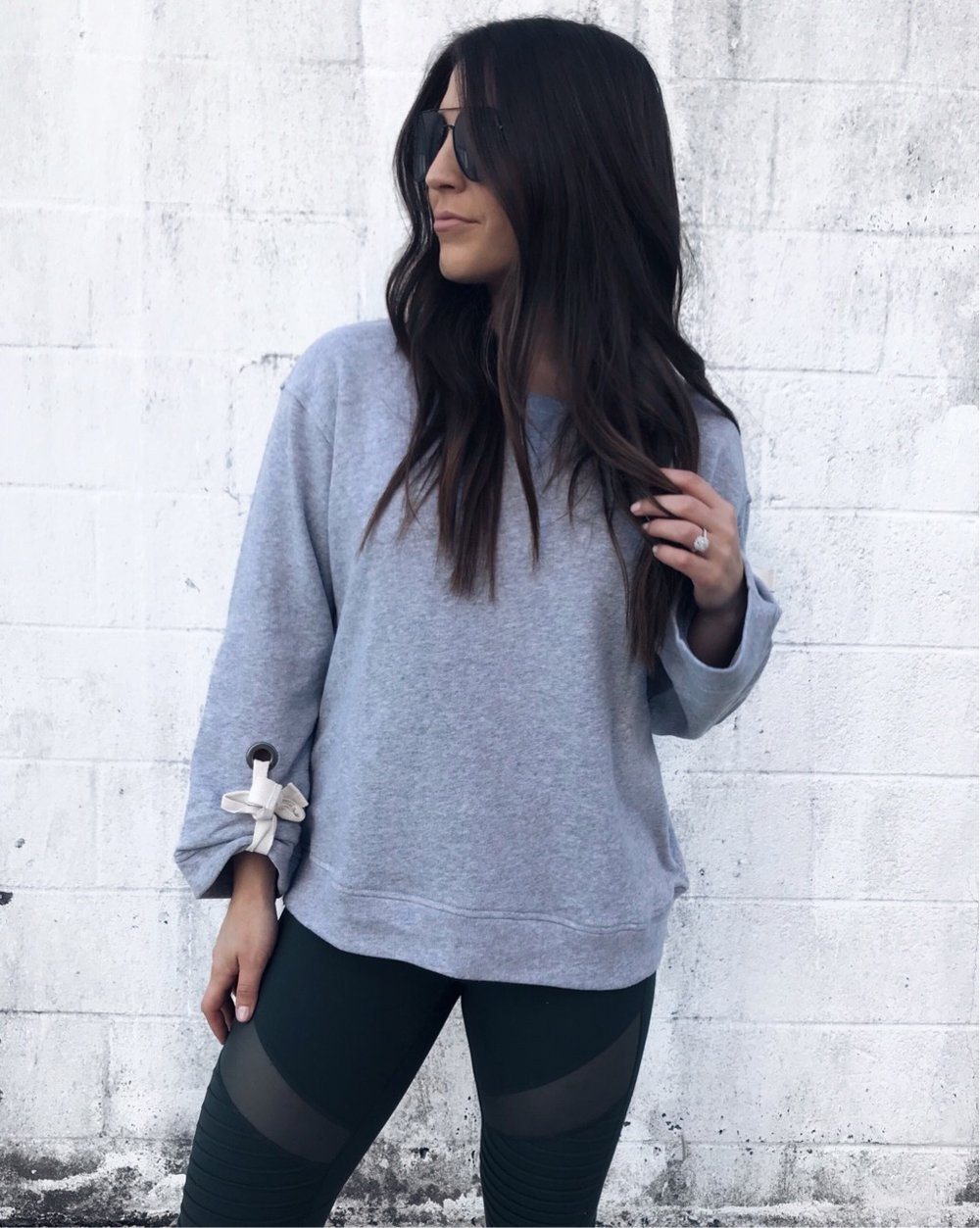athleisure for fall / fall outfit idea / weekend wear