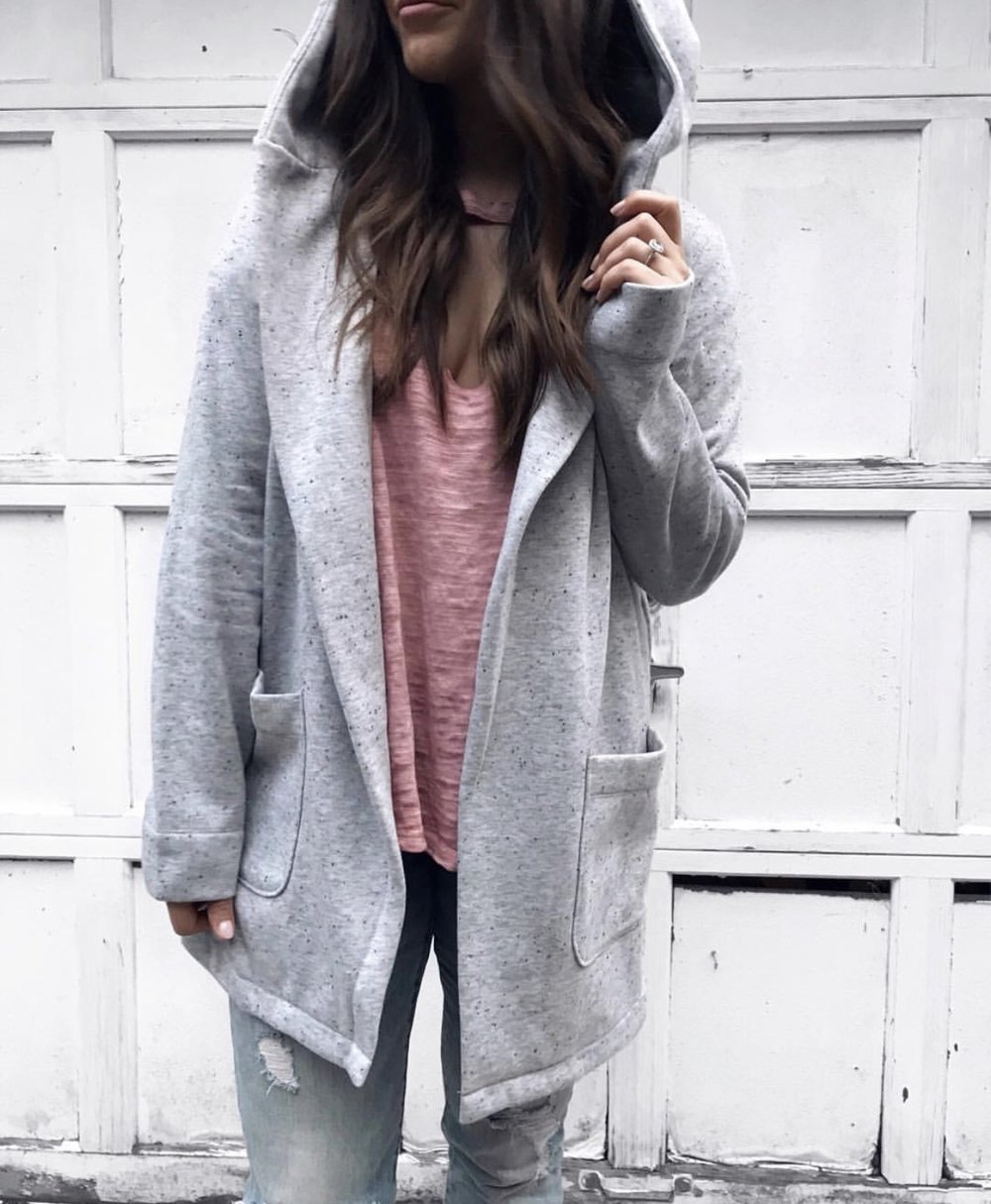 fall fashion, fall outfit idea, fall outfit inspiration, sweater weather, grey cozy cardigan