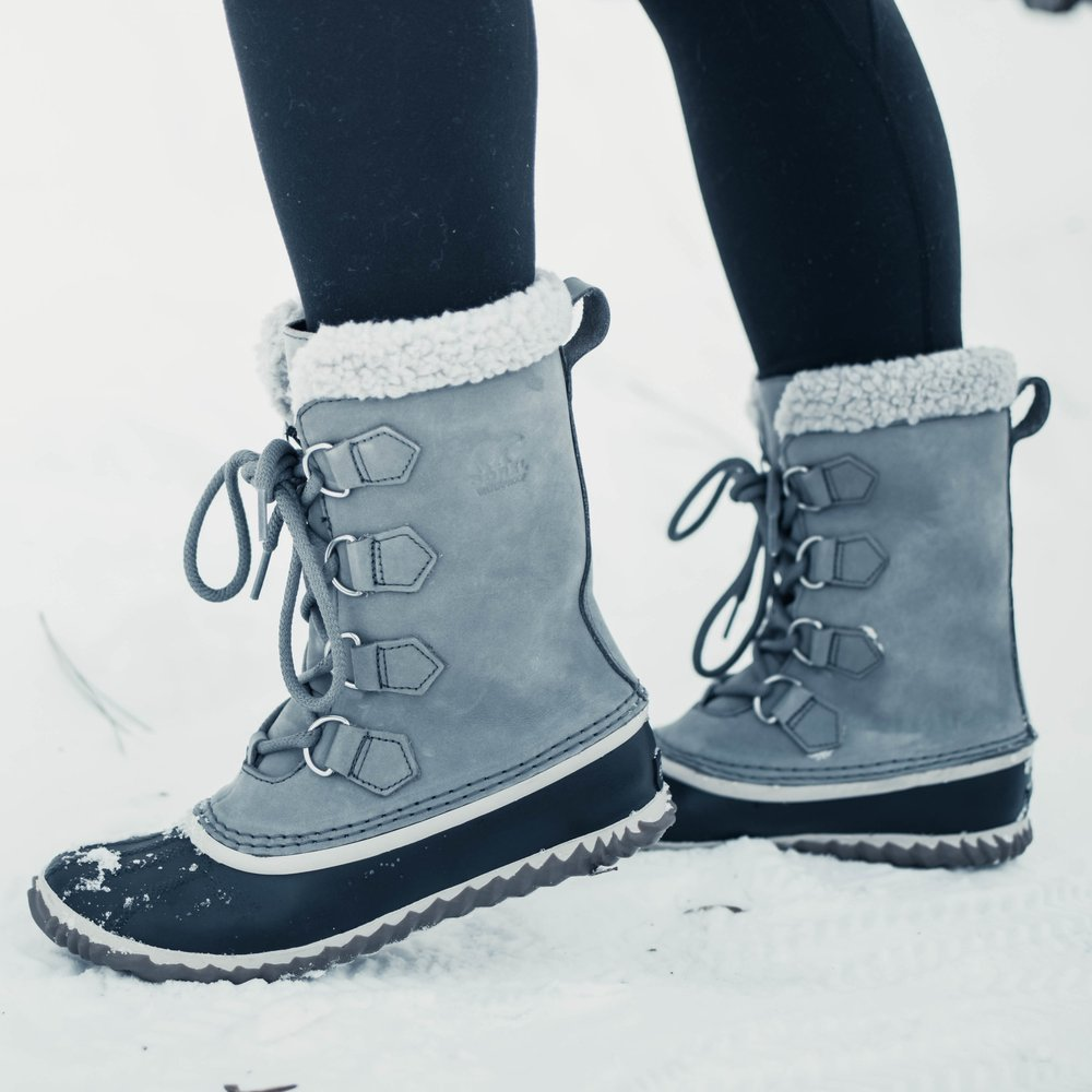 Sorel Caribou Slim Boots Review | Pine Barren Beauty | winter fashion, winter outfit idea, winter outfit inspiration, snow day outfit, snow boots review, must have snow boots